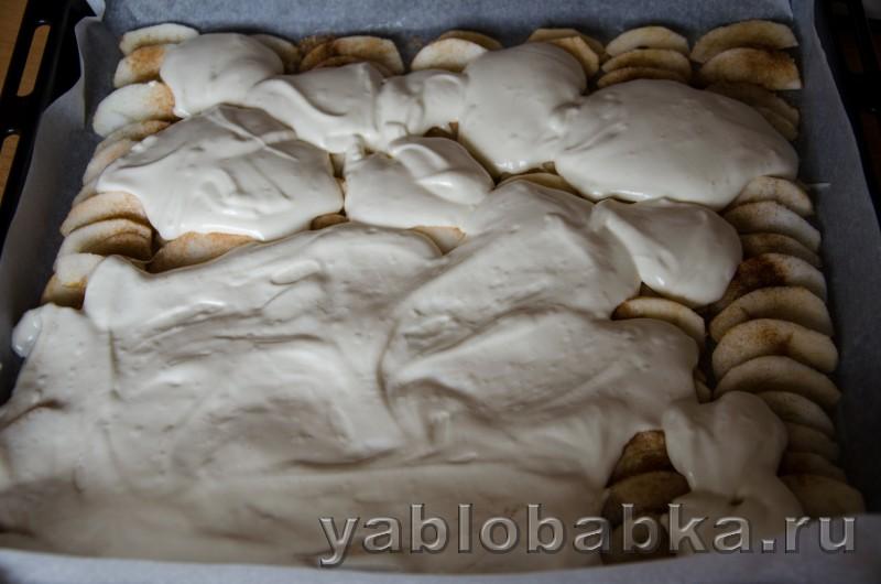 Бисквитный рулет очен вкусный и простой рецепт с яблоками: фото 11