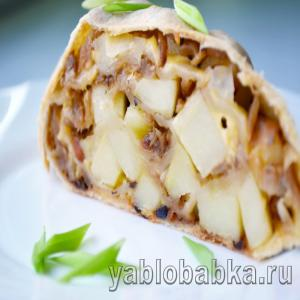 Штрудель с капустой и картошкой