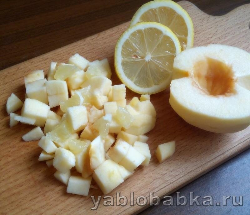 Пирог с яблоками и лимоном в мультиварке: фото 4