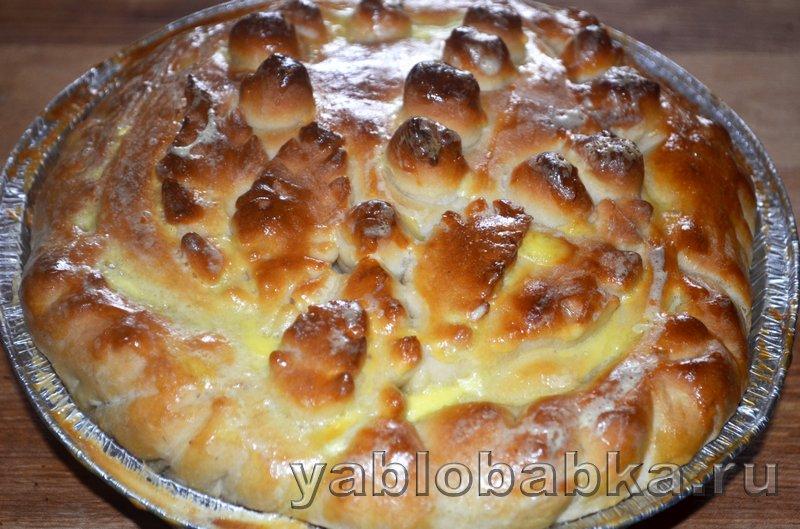 Пирог с яблоками и ягодой из дрожжевого теста: фото 16