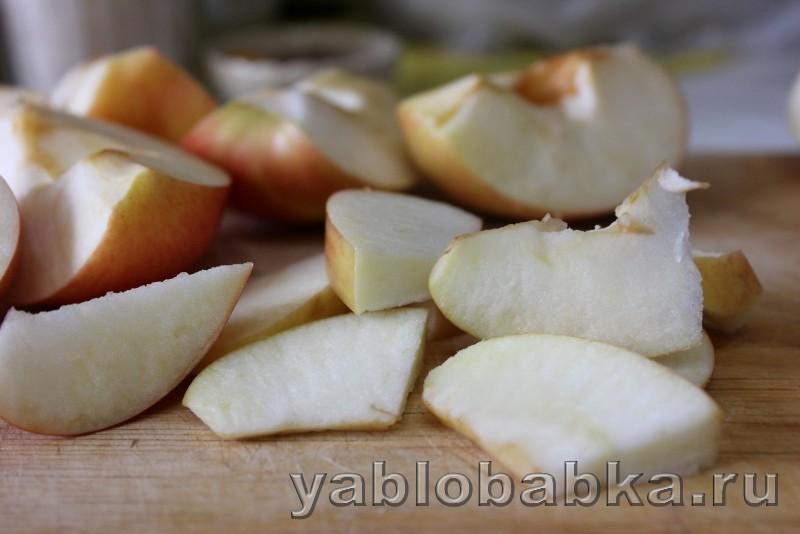 Постная шарлотка с яблоками в духовке: фото 2