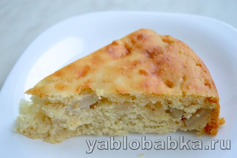 шарлотка с яблоками на кефире рецепт пошагово с фото