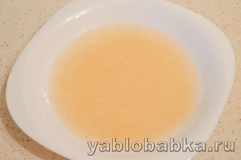 Шарлотка с маслом сливочным яблоками и сметанным желе: фото 10