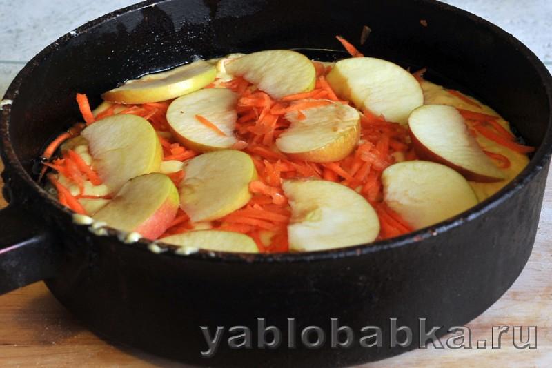Шарлотка с морковью и яблоками: фото 4