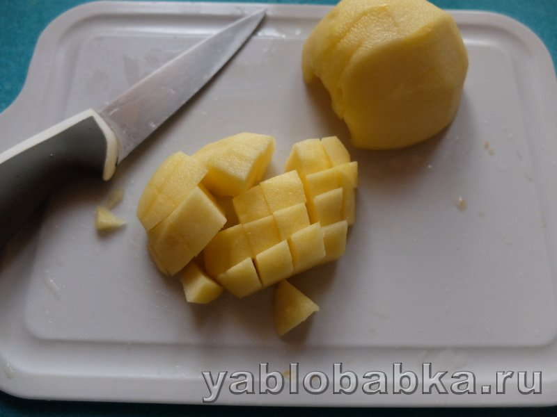 Шарлотка с яблоками и бананами: фото 4