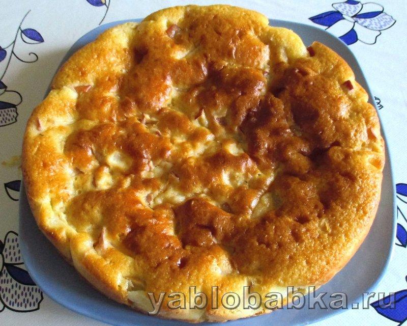 Шарлотка с яблоками и лимоном на кефире: фото 16