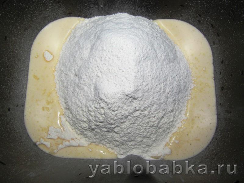 Шарлотка в хлебопечке с замесом теста: фото 5