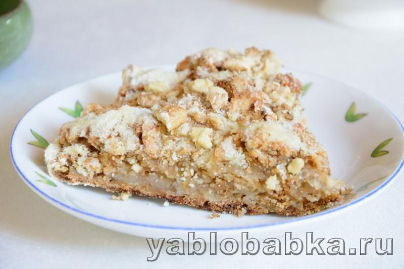 Венгерский яблочный пирог с манкой и орехами