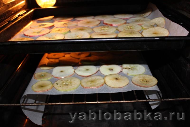 Яблочные чипсы в духовке: фото 5